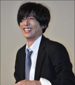 高橋一生笑顔